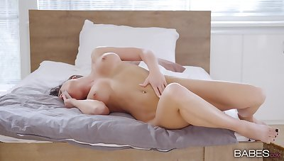 Soft passion in bed by finger fucking her soaked peach