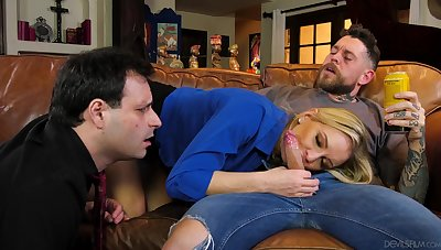 Spliced shows hubby the real cuckold passion on a young dong