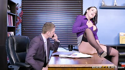 The MILF is keen to fuck with the extremist guy and see what he's come up to