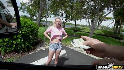 Carbuncle rump blondie Dixie Lynn moans during hardcore fucking