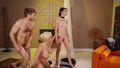 Peaches dominatrix drags skinny slaved earn slanderous triad